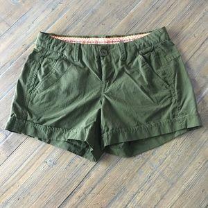 Koppen size 2 dark olive green shorts
